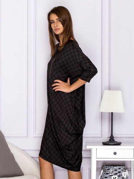 Asymetryczna sukienka nietoperz w kratkę brązowa                                  zdj.                                  5