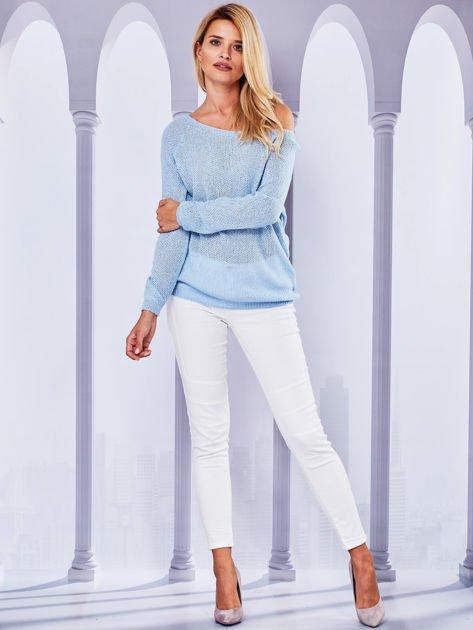 Ażurowy sweter z kokardą na plecach jasnoniebieska                                  zdj.                                  4