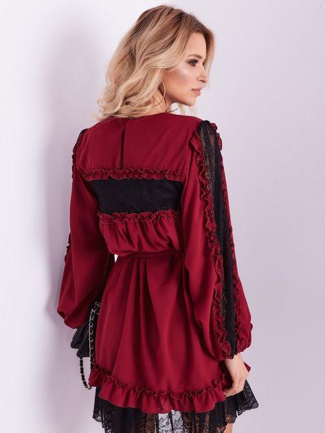BY O LA LA Bordowa sukienka z koronką i falbankami                              zdj.                              9