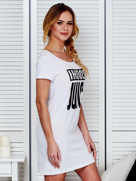 Bawełniana biała koszula nocna z nadrukiem                              zdj.                              3