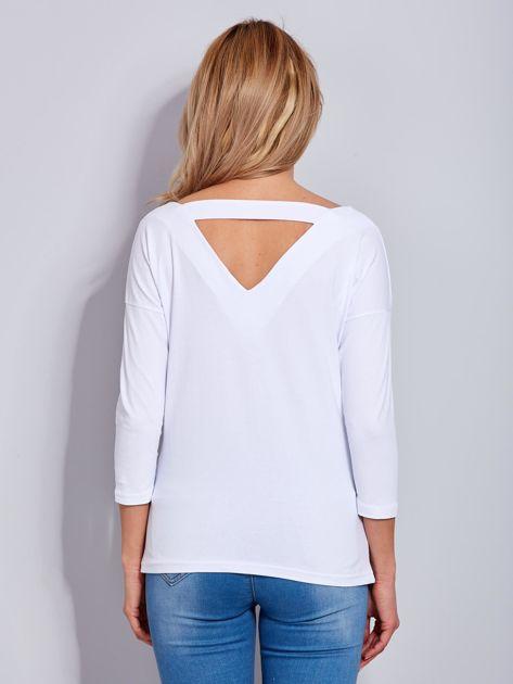 Bawełniana bluzka z trójkątnym dekoltem z tyłu biała                              zdj.                              3