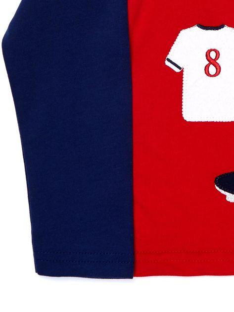 Bawełniana czerwona bluzka dla chłopca ze sportowymi naszywkami                              zdj.                              6