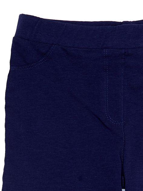 Bawełniane granatowe legginsy dziewczęce z wycięciami na kolanach                              zdj.                              3