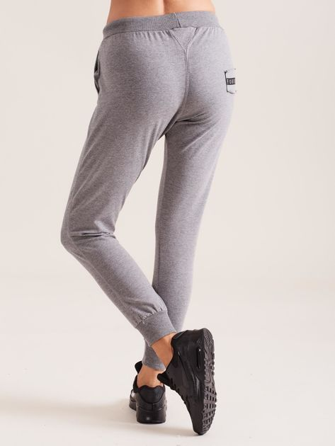 Bawełniane spodnie dresowe ciemnoszare                              zdj.                              2