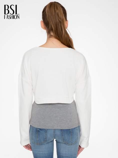 Beżowa bluza cropped ze złotym napisem SELFIE                                  zdj.                                  4