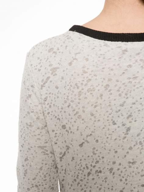 Beżowa bluza z nadrukiem wieży Eiffla                                  zdj.                                  7