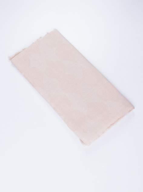 Beżowa chustka w geometryczny wzór z frędzlami na końcach                                  zdj.                                  3