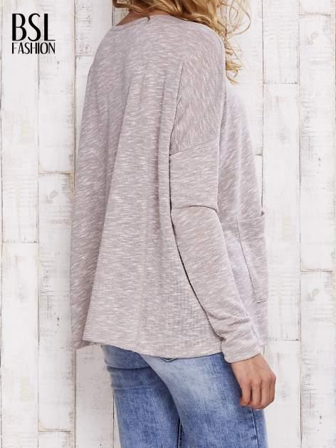 Beżowa melanżowa bluzka z kieszeniami                                  zdj.                                  4