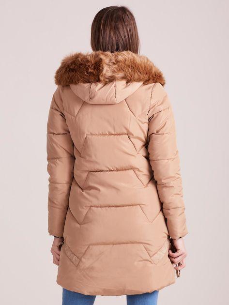 Beżowa pikowana kurtka na zimę                              zdj.                              2