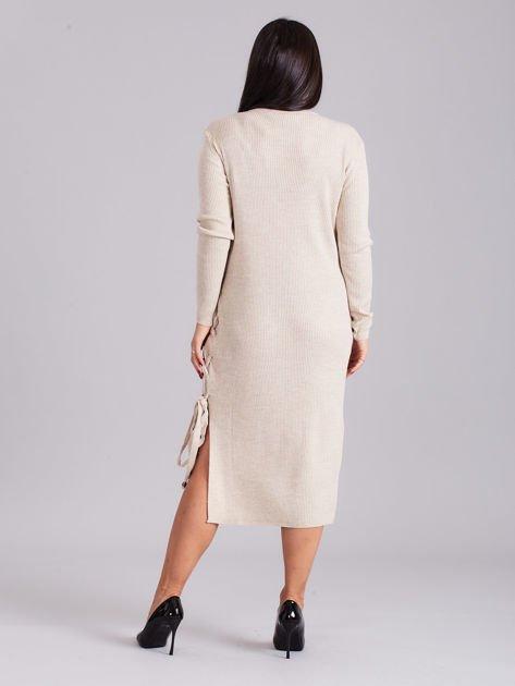 c14102de87 Beżowa sukienka dzianinowa z bocznym sznurowaniem - Sukienka ...