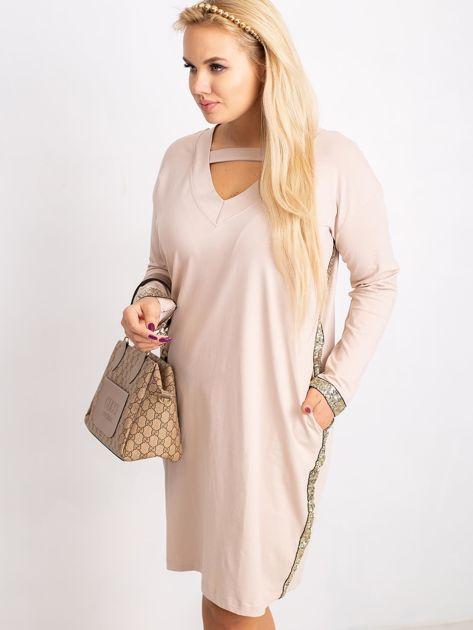 Beżowa sukienka plus size Mode                              zdj.                              3