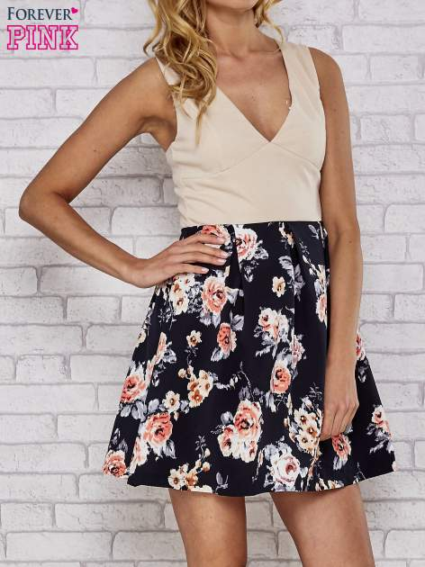 Beżowa sukienka skater z kwiatowym dołem                                  zdj.                                  1