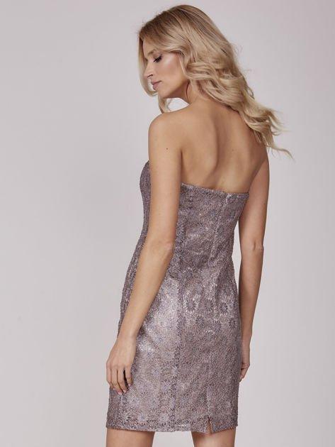 Beżowa sukienka wieczorowa z błyszczącą nitką                              zdj.                              3