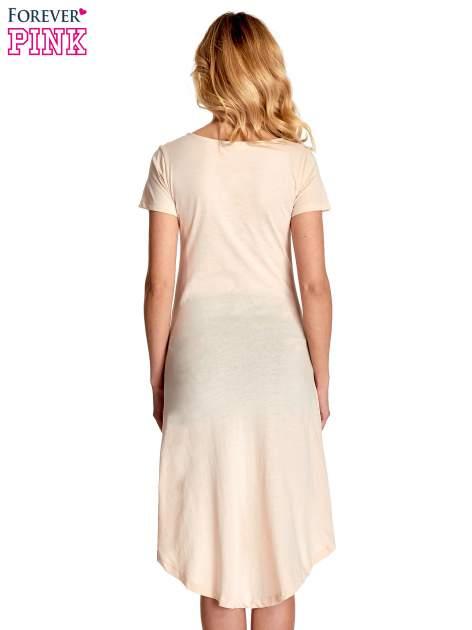 Beżowa sukienka z dłuższym tyłem i napisem INSPIRE THE WORLD                                  zdj.                                  4