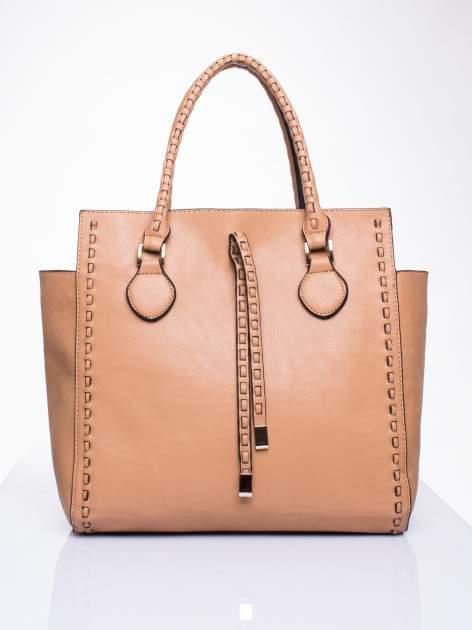 Beżowa torba z ozdobnymi skórzanymi troczkami                                  zdj.                                  2