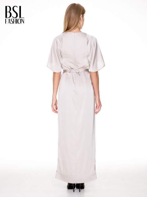 Beżowa zwiewna sukienka maxi z satyny                                  zdj.                                  4