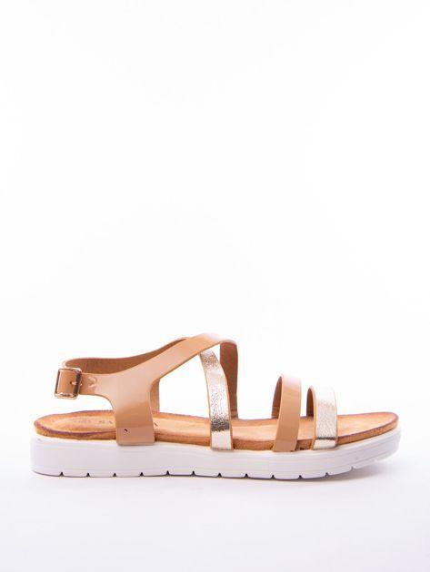 Beżowe sandały SABATINA z lakierowanym paskiem                              zdj.                              1