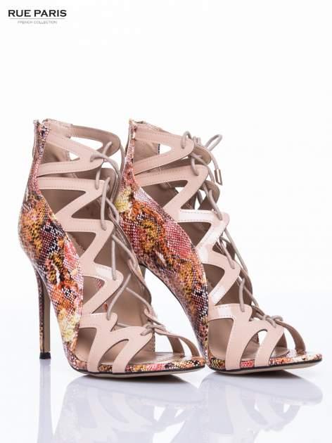 Beżowe sandały gladiatorki z motywem snake print                                  zdj.                                  3