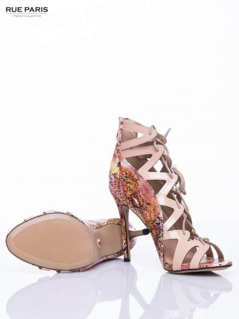 Beżowe sandały gladiatorki z motywem snake print                                  zdj.                                  5