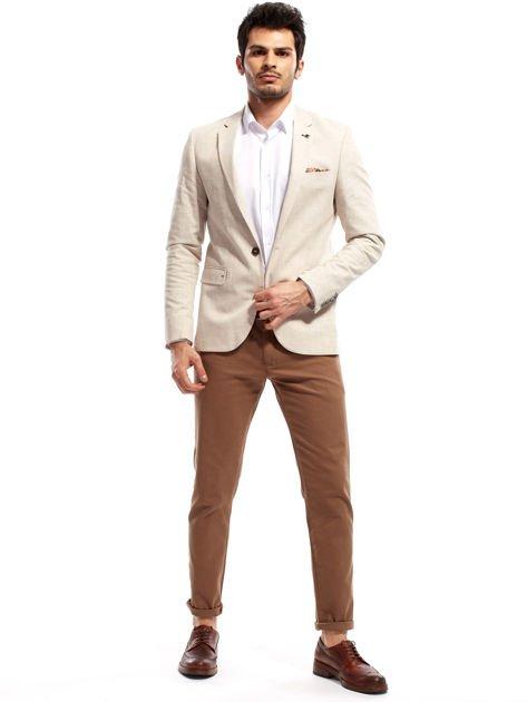 Beżowe spodnie męskie chinos                                  zdj.                                  4