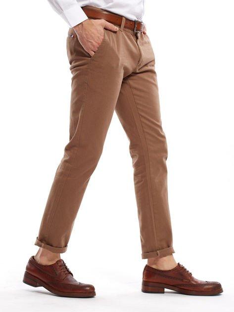 Beżowe spodnie męskie chinos                                  zdj.                                  3