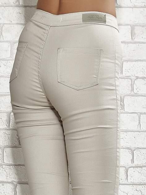 Beżowe spodnie rurki skinny                                  zdj.                                  6