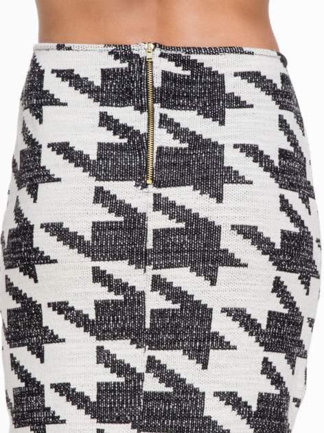 Beżowo-czarna ołówkowa spódnica tuba w pepitkę                                  zdj.                                  5