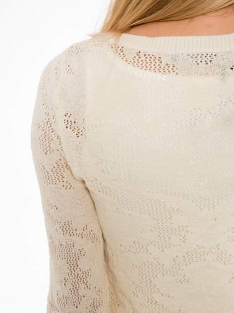 Beżowy ażurowy sweter z rękawami 3/4                                  zdj.                                  7