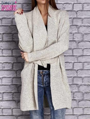 Beżowy melanżowy sweter z kaskadowym dekoltem                                  zdj.                                  1