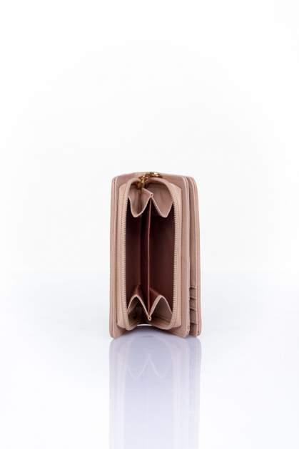Beżowy portfel z motywem geometrycznej plecionki                                  zdj.                                  4