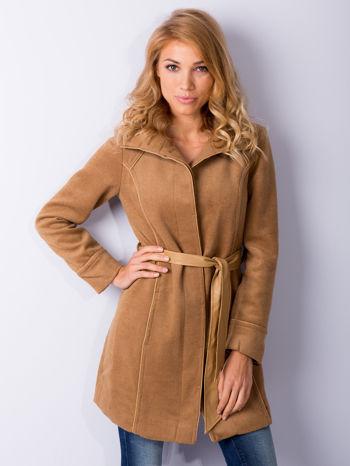 Beżowy wełniany płaszcz ze skórzanym paskiem                                  zdj.                                  1