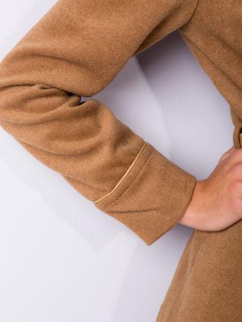 Beżowy wełniany płaszcz ze skórzanym paskiem                                  zdj.                                  6
