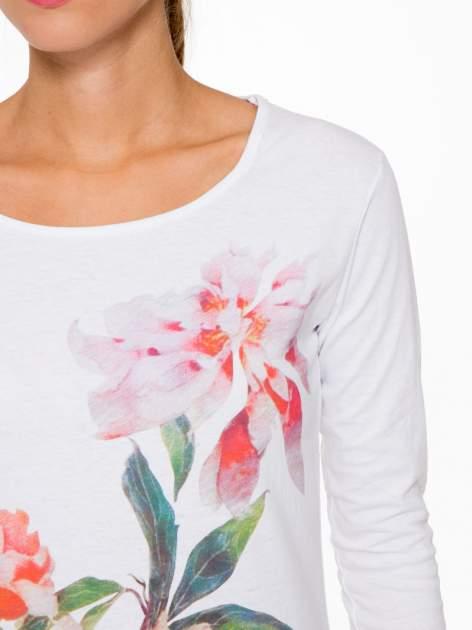 Biała bawełniana bluzka z motywem kwiatowym                                  zdj.                                  6