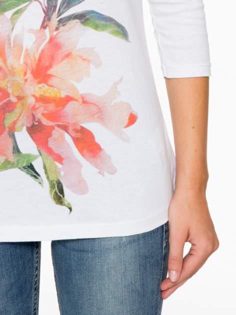 Biała bawełniana bluzka z motywem kwiatowym                                  zdj.                                  8