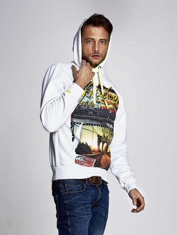 Biała bluza męska z nowojorskim nadrukiem                               zdj.                              5