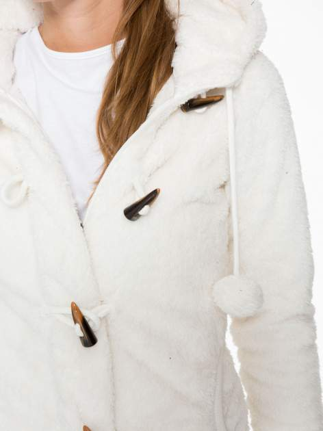 Biała bluza misiek z kapturem i pomponami                                  zdj.                                  7