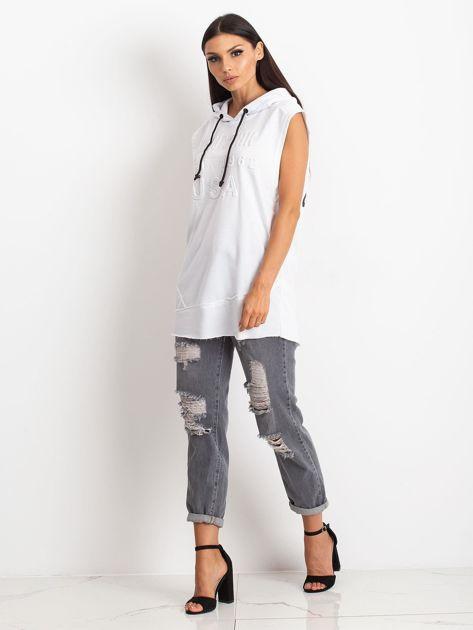 Biała bluza z nadrukiem z tyłu                              zdj.                              2