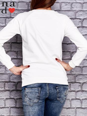 Biała bluza z napisem NIC NIE MUSZĘ                                   zdj.                                  4