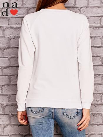 Biała bluza z ornamentowym nadrukiem                                  zdj.                                  3