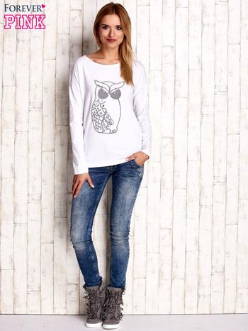 Biała bluzka z aplikacją w kształcie sowy                                  zdj.                                  2