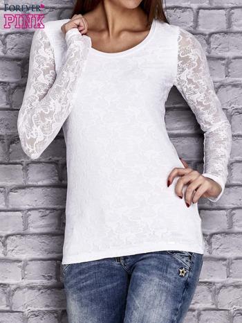 Biała bluzka z ażurowymi rękawami                                  zdj.                                  1