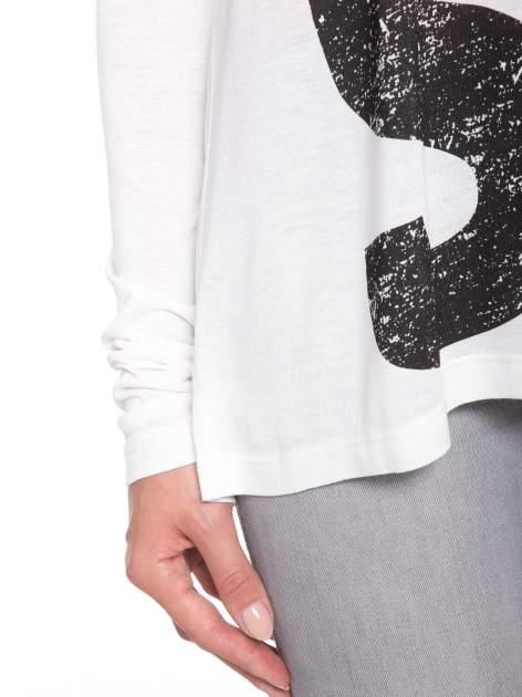 Biała bluzka z dużym napisem MUSE                                  zdj.                                  8