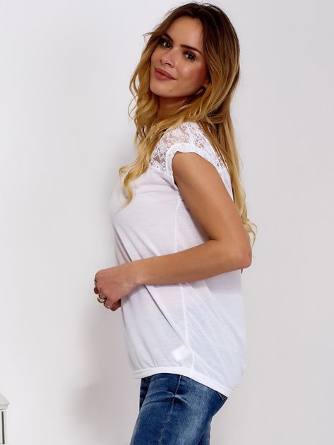 Biała bluzka z koronkową górą                              zdj.                              3