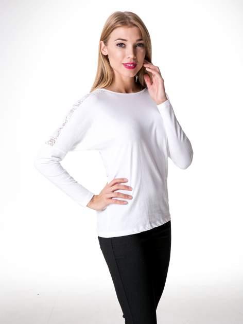Biała bluzka z koronkową wstawką na rękawach i z tyłu                                  zdj.                                  9