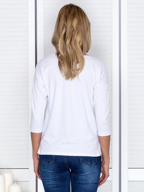 Biała bluzka z koronkowym wykończeniem                              zdj.                              2