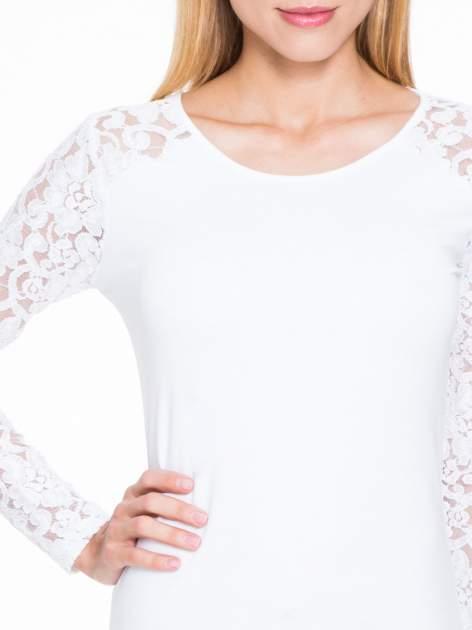 Biała bluzka z koronkowymi rękawami                                  zdj.                                  5