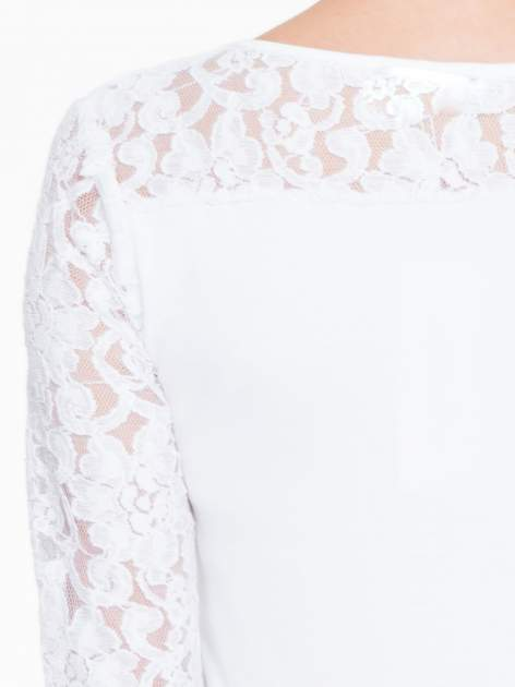 Biała bluzka z koronkowymi rękawami                                  zdj.                                  7