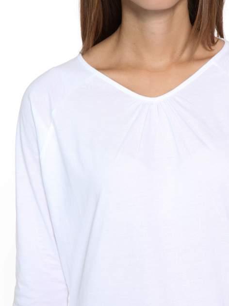 Biała bluzka z marszczonym dekoltem i rękawkami 3/4                                  zdj.                                  6