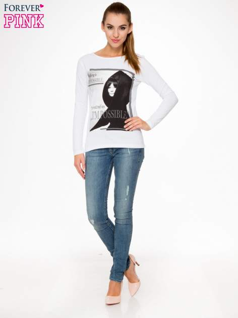 Biała bluzka z nadrukiem Audrey Hepburn                                  zdj.                                  2