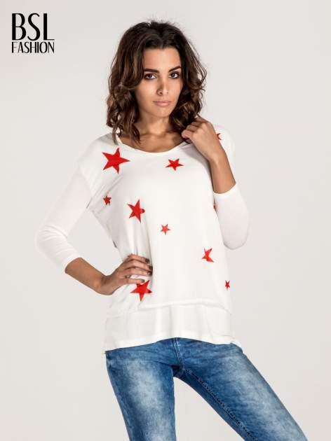 Biała bluzka z nadrukiem czerwonych gwiazdek                              zdj.                              1